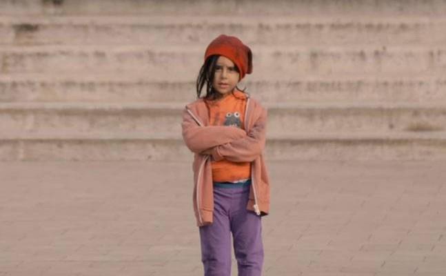 Experiment social marca UNICEF: cum se comportă adulții cu un copil al străzii (Video)