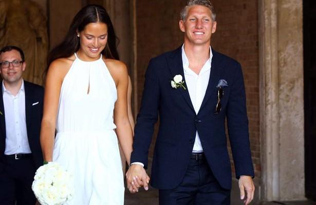 Cea mai frumoasă jucătoare de tenis din lume s-a căsătorit cu un fotbalist la Veneția (Foto)