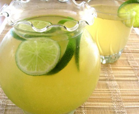E timpul să te revigorezi! Prepară un ceai verde din ghimbir și mentă