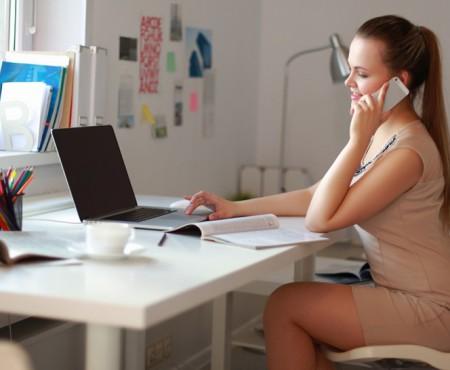 Ai grijă de spatele tău! Ce scaun să alegi și ce trebuie să faci pentru a evita sedentarismul de la birou