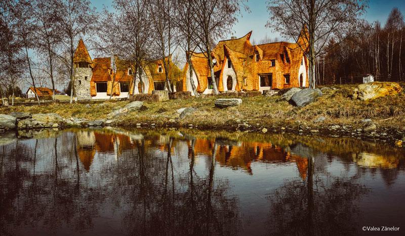 romanian-fairy-tale-lodge-designrulz-1