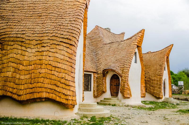 romanian-fairy-tale-lodge-designrulz-4