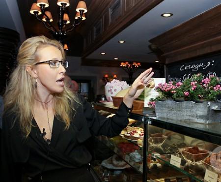 Cum arată și ce se servește în cafeneaua moscovită a Kseniyei Sobchak