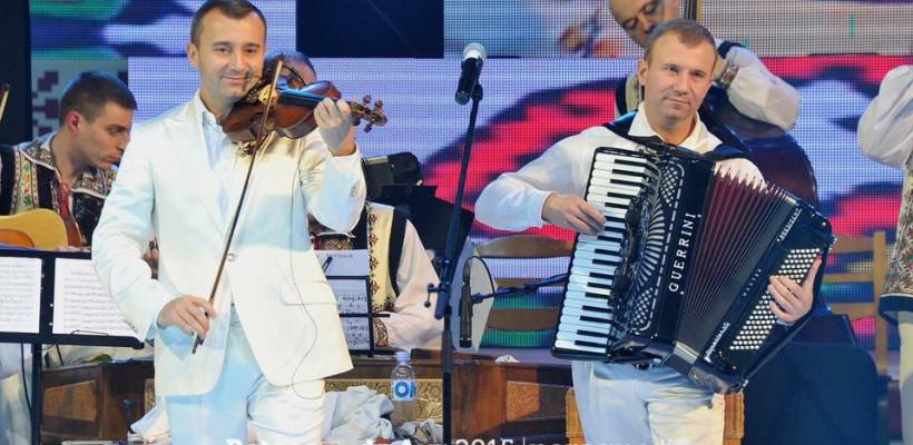 Vasile și Vitalie Advahov, onorați de președintele Timofti cu titlul onorific de Artiști ai Poporului