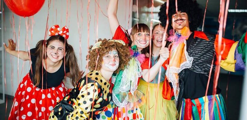 Clounella te invită la o petrecere de aniversare și un eveniment de caritate!