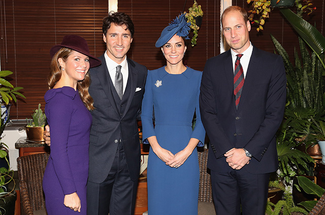 VICTORIA, BC - SEPTEMBER 24: Sophie Gregorire, Canadian Prime Minister Justin Trudeau, Catherine, Duchess of Cambridge and Prince William, Duke of Cambridge attend a meeting of senior Canadian Leaders at Governement House on September 24, 2016 in Victoria, Canada. Prince William, Duke of Cambridge, Catherine, Duchess of Cambridge, Prince George and Princess Charlotte are visiting Canada as part of an eight day visit to the country taking in areas such as Bella Bella, Whitehorse and Kelowna. (Photo by Chris Jackson/Getty Images)
