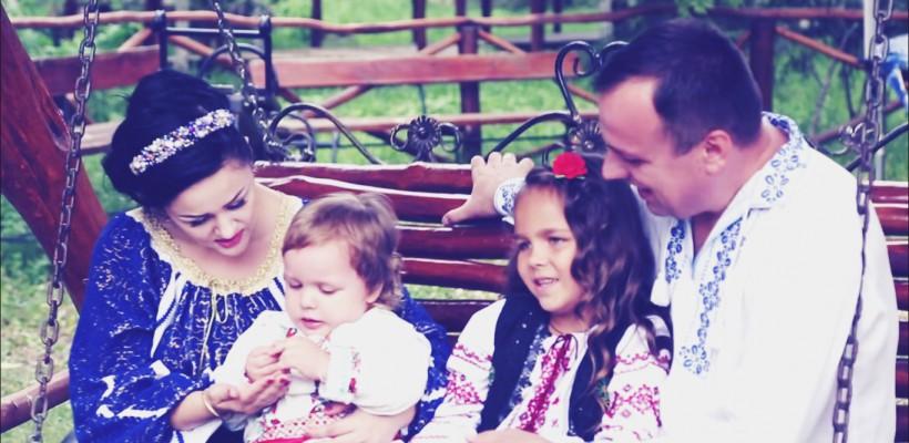 Cântăreața Lenuța Gheorghiță a lansat primul clip în care își arată familia (Video)