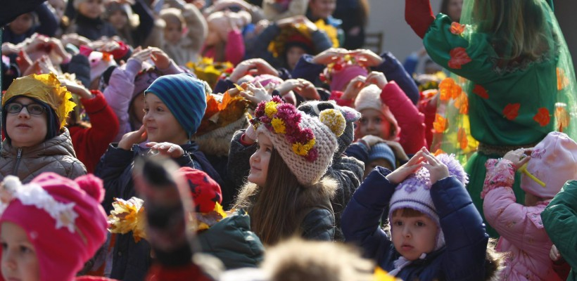 Explozie de culoare la o grădiniță din Chișinău! Zeci de micuți au adus un omagiu Toamnei de Aur (FOTO)
