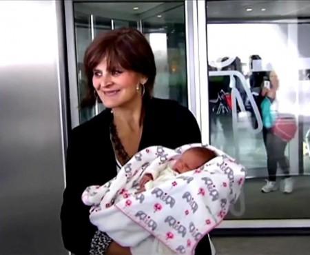 """""""Nu ginecologii ne impun limitele!"""" O femeie din Spania a născut la vârsta de 62 de ani"""
