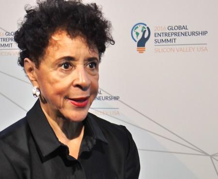 """Prima femeie afro-americană care a câştigat un miliard de dolari: """"Trebuie să fii cu ochii pe minge în orice moment"""""""