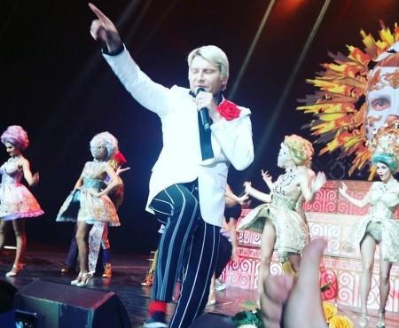 Nikolay Baskov s-a prăbușit de pe scenă la un concert din Lituania (Video)