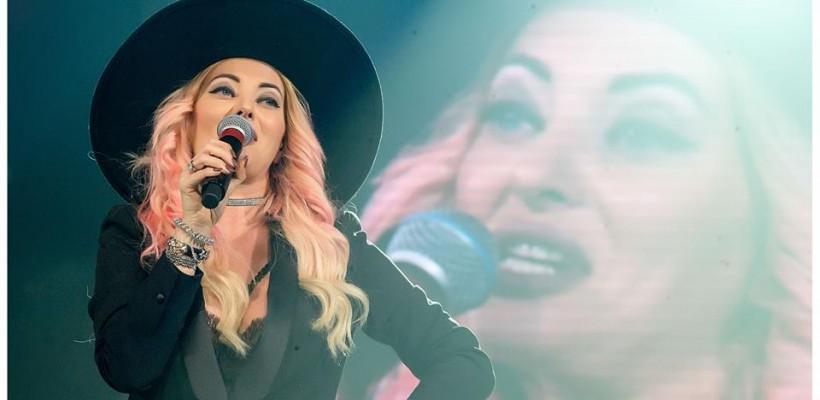 Delia a făcut senzație în cadrul concertului susținut aseară la Chișinău! Vezi ce ținută a purtat artista
