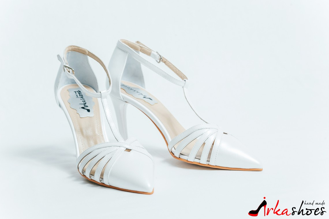 Cerere în căsătorie cu pantoful potrivit. Povestea care a inspirat Irka Shoes (Foto)