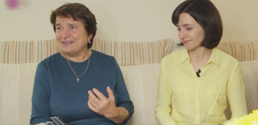 Interviu acasă la Maia Sandu. Candidata apare alături de mama sa (Video)