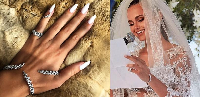 Xenia Deli a purtat astfel de bijuterii la nunta în Santorini! Admiră creațiile unui giuvaier libanez