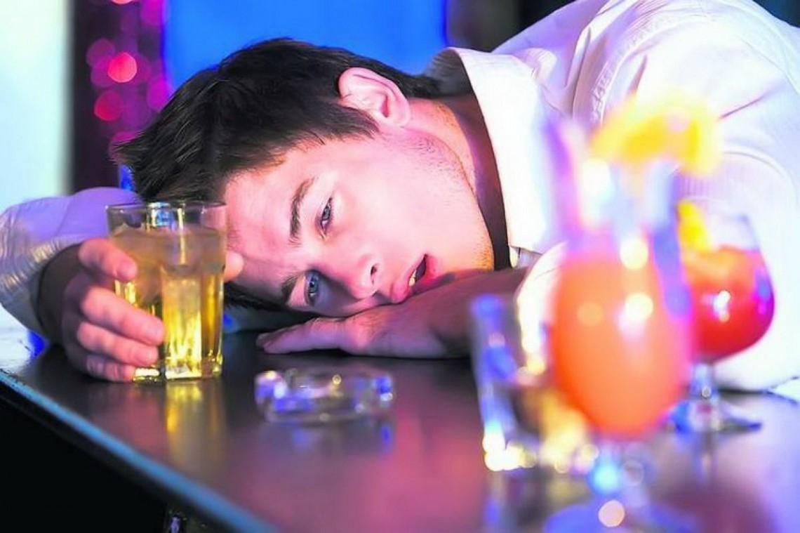 Mahmureală și detoxifiere: Cum curățim organismul după excesul de alcool
