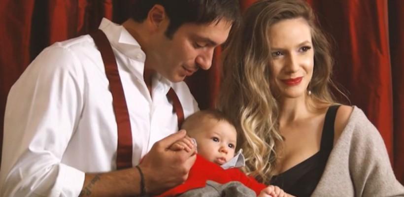 Fiul Adelei Popescu a rostit primul cuvânt chiar de Moș Nicolae! Iată care a fost