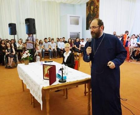 """Cea mai mare greşeală a femeii în relaţia cu bărbatul. Preotul Constantin Necula: """"Ar distruge voința care limpezeşte iubirea"""""""