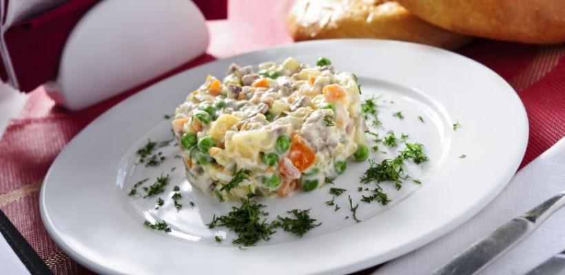National Geographic: Salata Olivie, nelipsită pe masa de Crăciun a moldovenilor