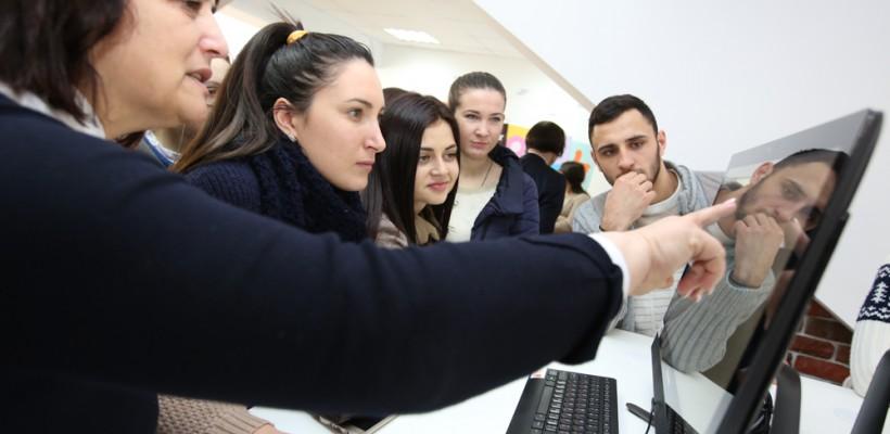 Experienţe digitale incomparabile la Orange WiFi Cafe