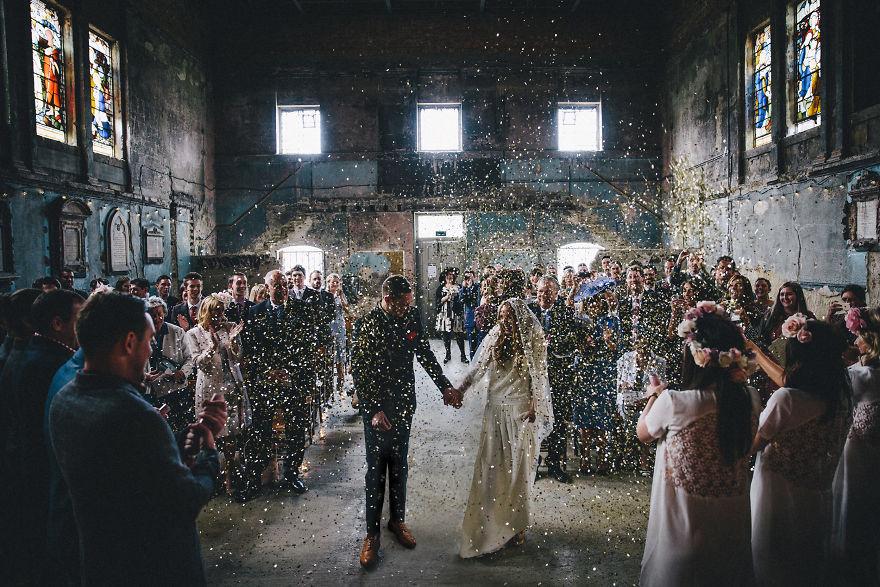 top-50-wedding-photos-of-2016-586a6a97b06c1__880