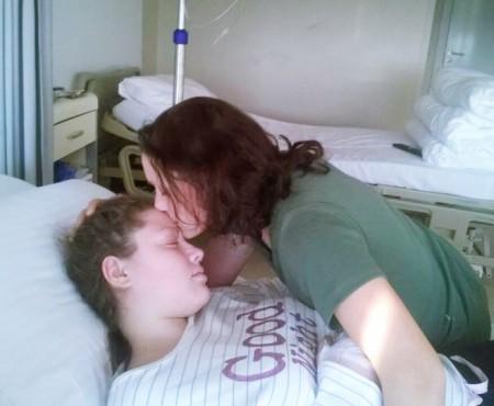 Răvaș de la Adriana – o fetiță de 15 ani, care te roagă să o ajuți să înfrunte leucemia