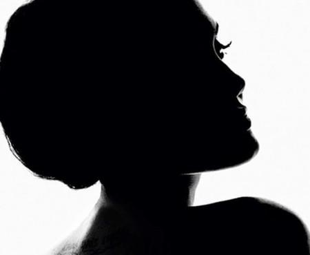 Angelina Jolie devine imaginea unui parfum! Admir-o într-o nouă apariție