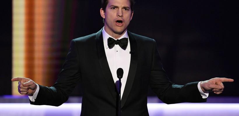 """Stelele de la Hollywood își ceartă președintele țării. Ashton Kutcher: """"Ca american îmi respect președintele, dar nu-i respect politica"""""""