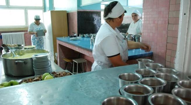 Tu cât ai trăi cu un salariu de ajutor de educator sau bucătar de la grădiniță?