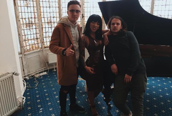 """""""Va fi bombă!"""" Roman Burlaca, regizorul unui nou videoclip pentru o interpretă de peste Prut"""