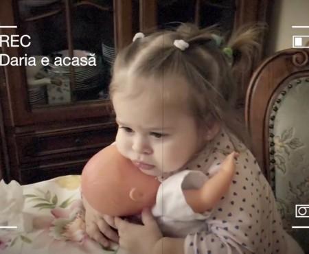 Noi imagini cu fetița Olgăi Fesenco. Daria s-a făcut mare! (VIDEO)