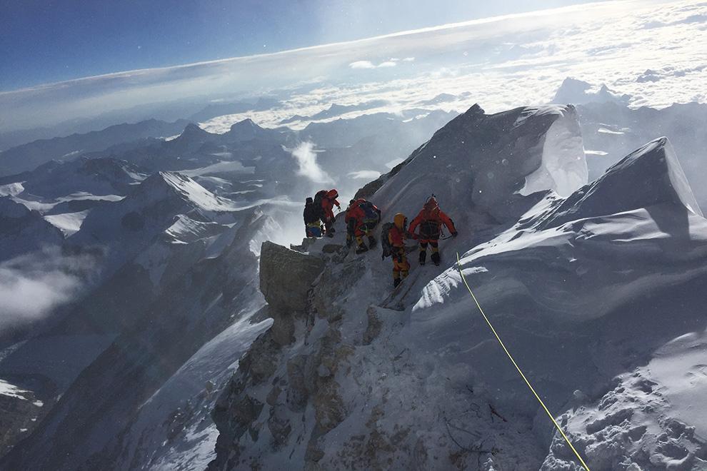 Cele cinci curajoase! Prima echipă feminină care a cucerit Everestul