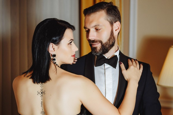 Diana și Marco Ballerini, eroi de copertă pentru o carte cu tentă erotică! Vezi Imagini EXCLUSIVE