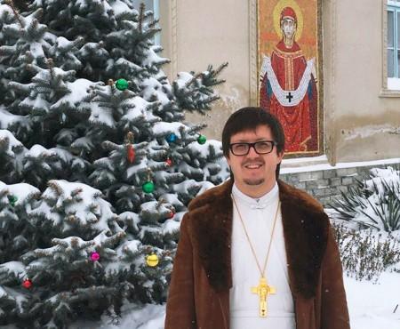"""Părintele Maxim Melinti, despre Bobotează: """"Preoții nu trebuie să facă afacere, să vândă aghiasma și busuiocul"""""""