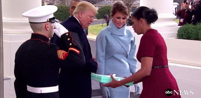 Ce cadou i-a adus Melania Trump lui Michelle Obama la prima vizită la Casa Albă (Video)