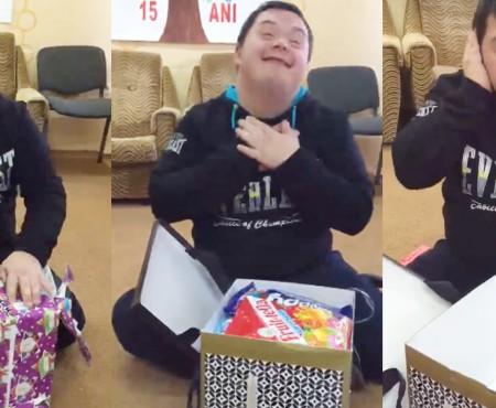 """Emoțiile lui Sașa – un băiat special, în timp ce deschide un """"cadou din cutia de pantofi"""" (VIDEO)"""