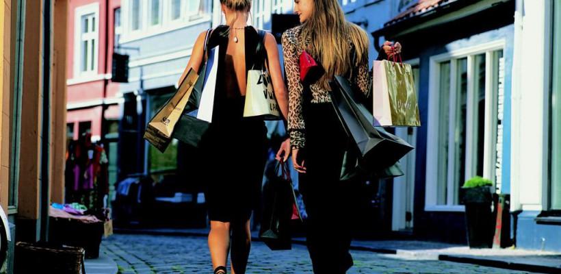 Tur de shopping tematic prin lumea parfumeriei