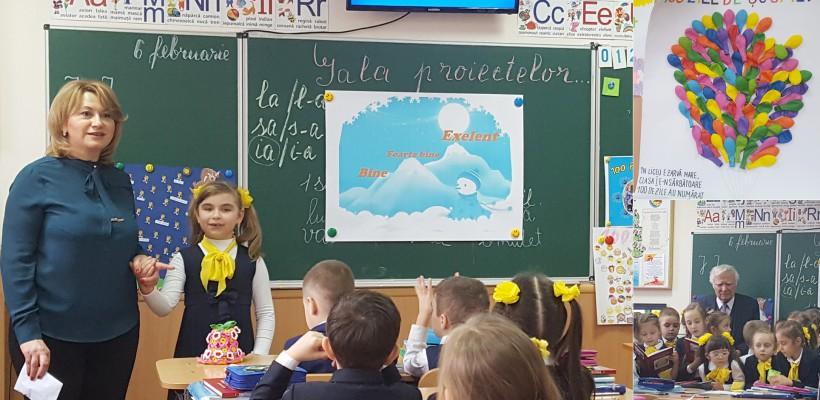 """Cum au celebrat """"100 de zile școlare"""" bobocii de la L.T. """"Ștefan cel Mare"""", din Capitală (FOTO)"""