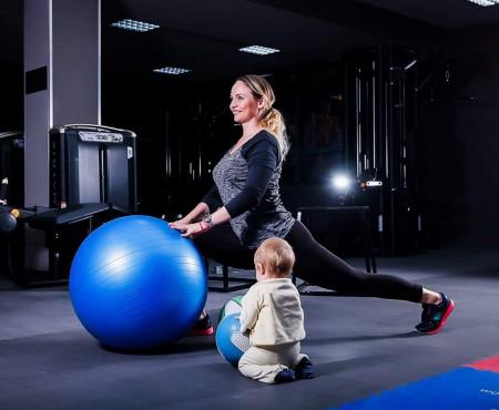 """Anna Bonceva, antrenoarea care ajută mămicile să se recupereze după sarcină: """"Totul este în mâinile voastre! Acționați câte puțin în fiecare zi!"""""""