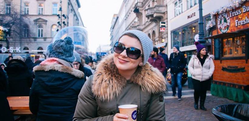 """După ce a învins leucemia, Ellene Mocrii oferă 6 sfaturi de ajutor persoanelor cu diagnoza """"cancer"""""""