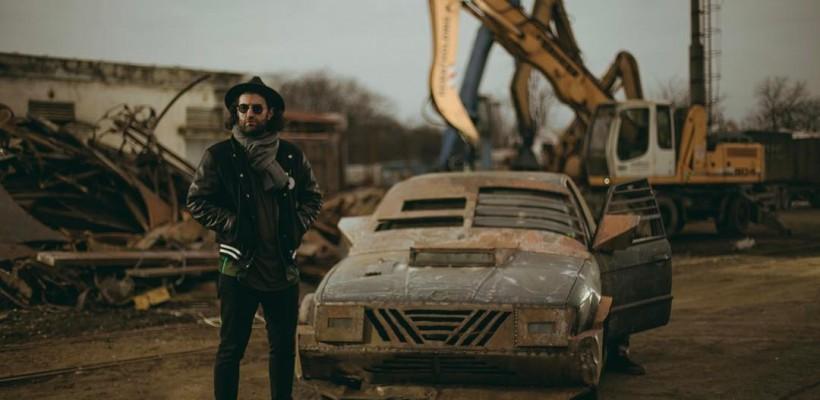 """Vrea o """"lume nouă""""? Smiley prezintă cel mai nou featuring, realizat cu unul dintre cei mai renumiți rapperi români (VIDEO)"""