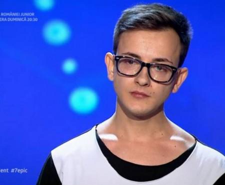 A făcut o țară întreagă să plângă! Un băiat de 24 de ani și-a cântat drama vieții la Românii au Talent