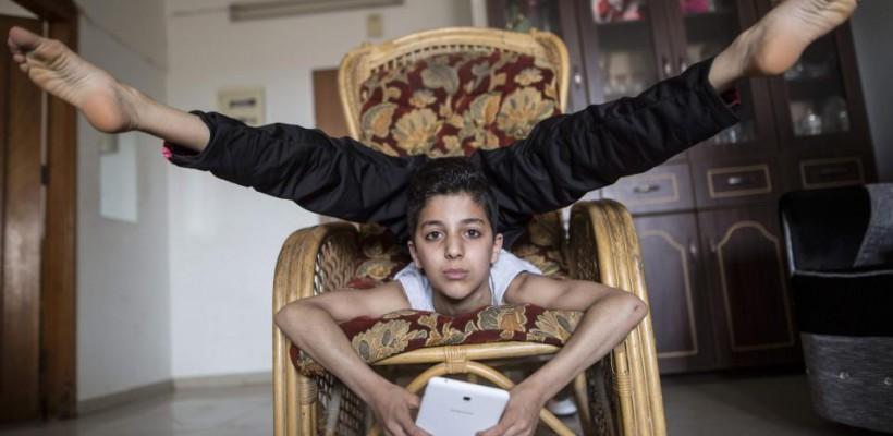 Un palestinian de 13 ani a cucerit recordul mondial pentru cea mai mare revoluție a corpului (VIDEO)