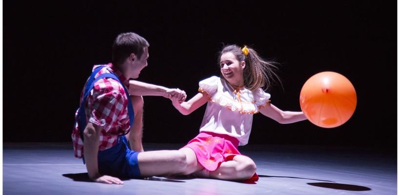 Nu ratați acest spectacol inedit și unic în Republica Moldova! Teatru în care CORPUL actorului vorbește…
