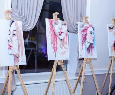 Arta machiajului sau cum a pictat o artistă de la noi cu rujuri și fond de ten (Foto)