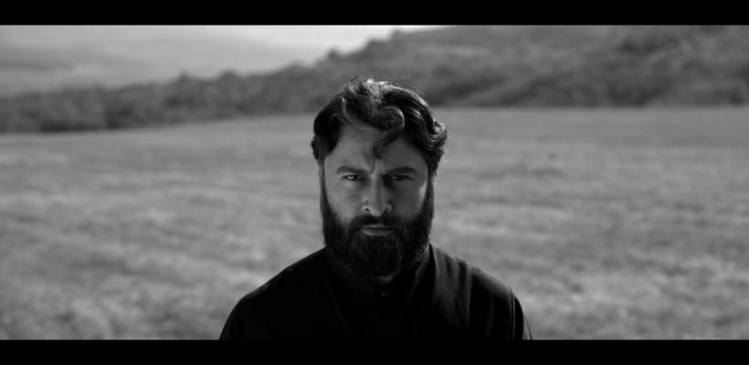Preotul paroh al Bisericii de Lemn s-a filmat în scurtmetrajul semnat de frații Țărnă