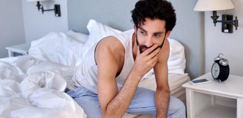 Un om matur se masturbează dacă este nemulțumit de viața sa sexuală. Masturbarea e firească în cazul adolescenților