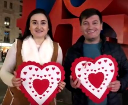 Dragobetele sărută fetele chiar și la New York