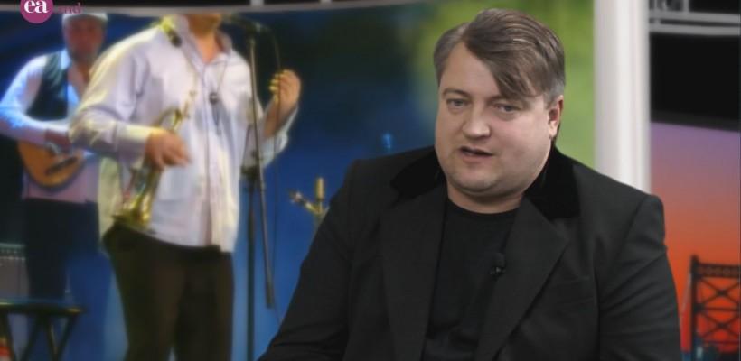 """Valy Boghean, muzicianul valorilor: """"Oricâte dezamăgiri aș avea – păstrez omenia blândă, educată de părinți"""" (Video)"""