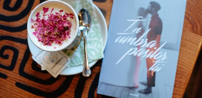 """Romanul """"În umbra pașilor tăi"""" a fost discutat de cititorii Clubului de lectură """"Books, Coffee & More"""" cu participarea autorului Vitali Cipileaga (foto)"""